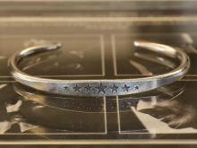 Large Star Hammered Bangle -wide-