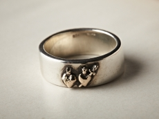 The sacred heart ring / k10