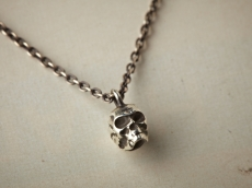 skull necklace -silver-